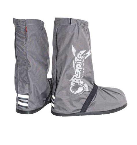 Distributor Jas Hujan Sepatu Sarung Sepatu Cover Shoes Anti Air Co til gaya berkendara di saat hujan dengan jas hujan