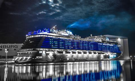 dream boat carnival special look for dream cruise s new cruise ship yellow