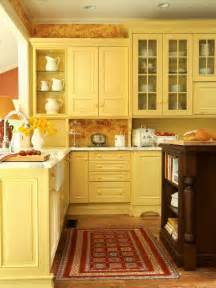 Yellow Kitchen Cabinet Modern Furniture Traditional Kitchen Design Ideas 2011 With Yellow Color