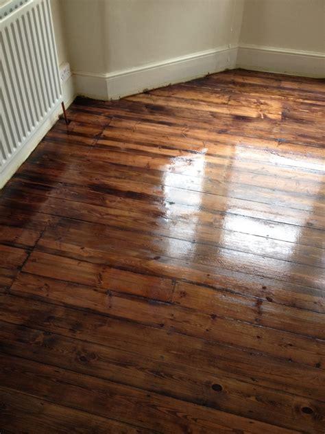 The London Wood Flooring Co.: 100% Feedback, Flooring
