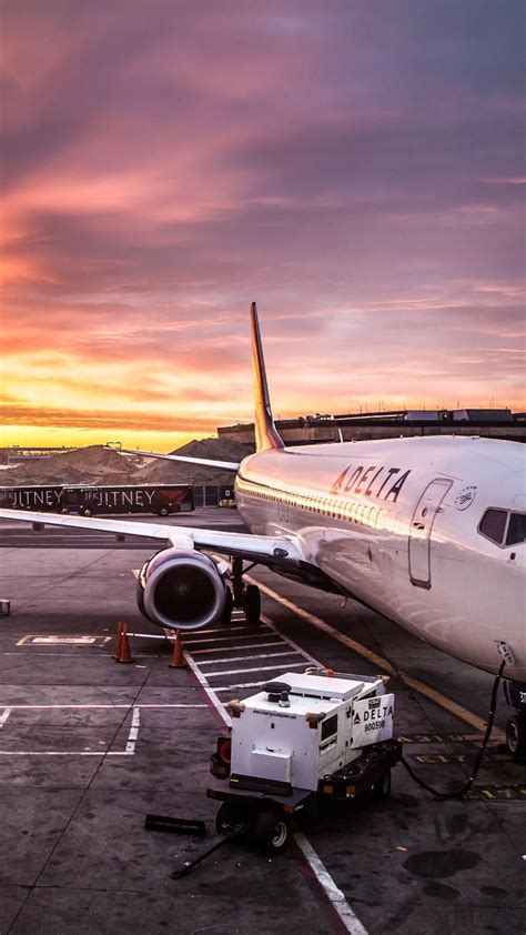 wallpaper iphone airplane delta airline on jfk airport 1080x1920 need iphone 6s