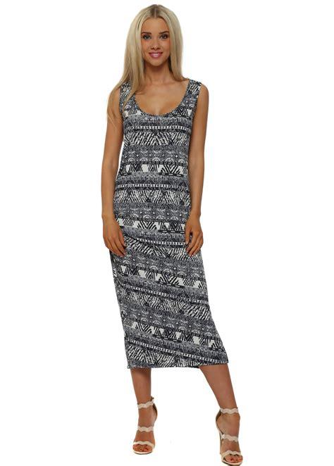 Midi Dress Batik Charlote a postcard from brighton midi dress