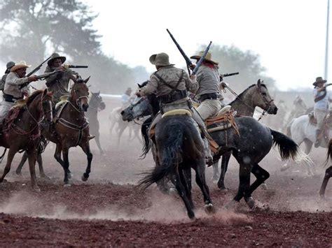 batallas acorazadas de la 8467748354 entregan al municipio serie de las batallas para su