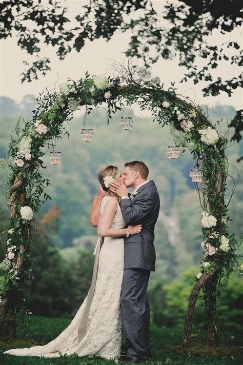 25  best ideas about Wedding trellis on Pinterest   Rustic