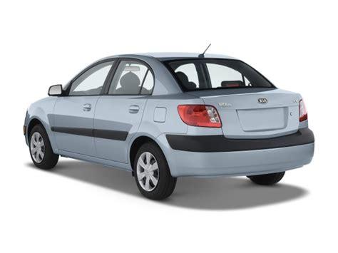 image  kia rio  door sedan auto lx angular rear exterior view size    type gif