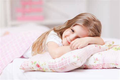 schlafen auf futon what type of mattress is best for a child by homearena