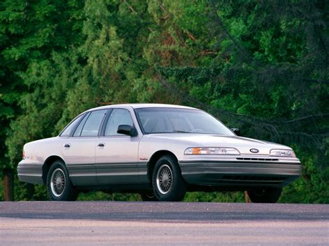 how petrol cars work 1994 ford crown victoria on board diagnostic system ford crown victoria youngtimer in beeld autoblog nl