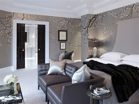 louise looks at the from her bedroom window 50 floral wallpaper and mural ideas your no 1 source of