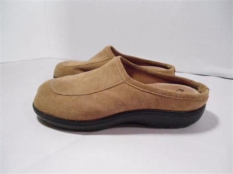 tempurpedic house slippers s temper pedic clogs house shoes slippers brown