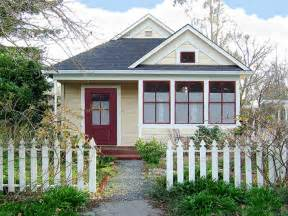 Beautiful Small Homes by Ideas With Small House Beautiful Small House Front Porch