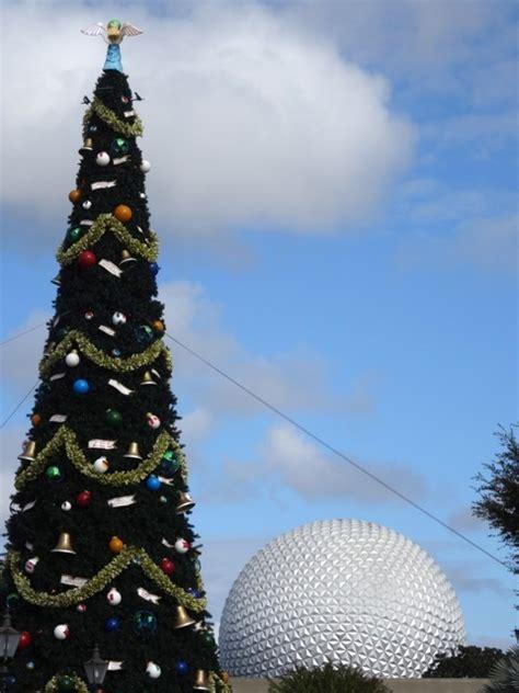 human christmas tree epcot epcot decorations past and present 171 walt disney world magic