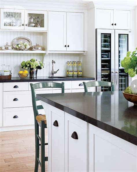 stains countertops and cabinets on