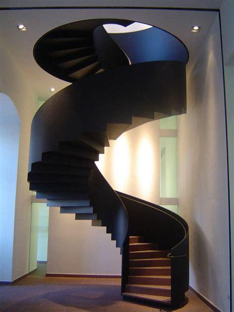 wohnung mit treppe eine moderne treppe kann ihr haus v 246 llig umwandeln