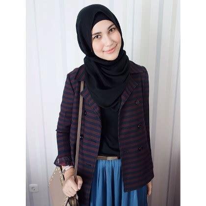 Menjadi Desainer Mode rani hatta mengawali karir jadi desainer busana muslim
