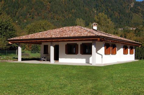 Casa Con Portico by Casa A Un Piano Con Porticato Abc Costruzioni