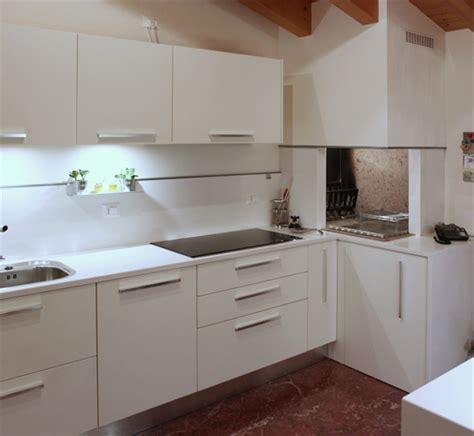 camino in cucina moderna il camino per cucinare spazio soluzioni