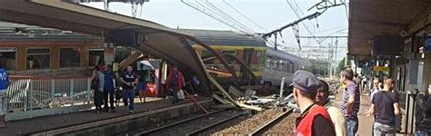 orge in ufficio francia deraglia treno vicino a parigi sei morti 30
