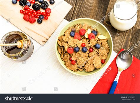Ejuice Matjan Breakfast Berry Cereal Milk cereal flakes berries breakfast bowl milk stock photo 563123473