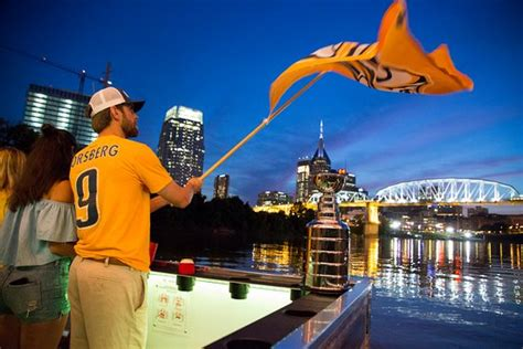 cumberland river nashville boat rentals pontoon saloon nashville all you need to know before