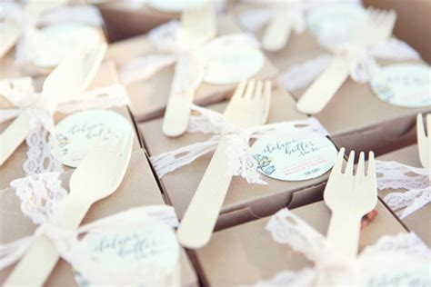 mini cake wedding favors wedding cakes pink cake box pin by frankie and nicole sleepwear on wedding pretties