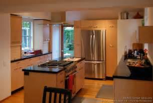 Maple kitchen with island range amp hood designer kitchens la