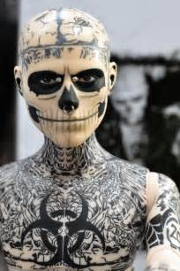 full body tattoo 47 ronin zombie boy殺進好萊塢 rick genest的明星路 好萊塢 明星 男星 性感 型男 生活發現