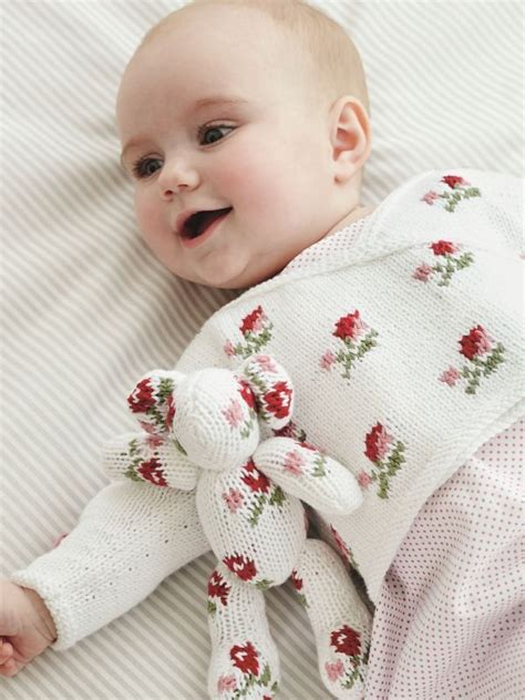 baby knits for beginners by debbie bliss 110 best images about debbie bliss on shawl