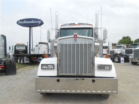 100 Kenworth Truck Cost Which Is Better Peterbilt