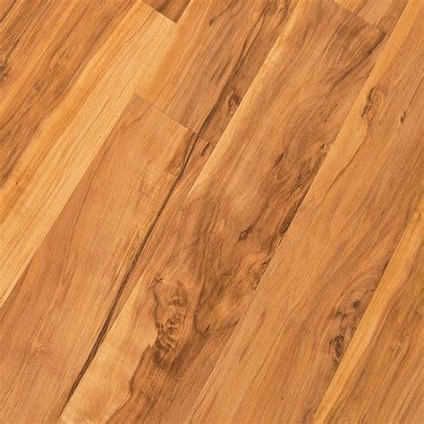 Quick Step NatureTEK Classic Flaxen Spalted Maple U1417