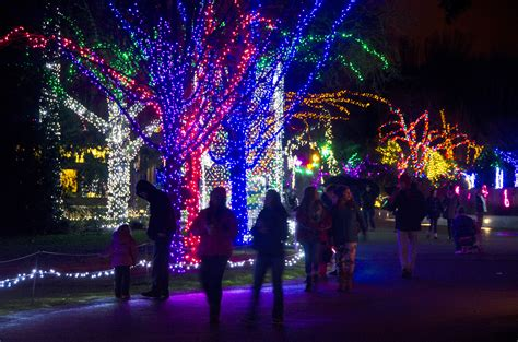 Giveaway Passes To Woodland Park Zoo S Wildlights Parentmap Zoo Lights Woodland Park