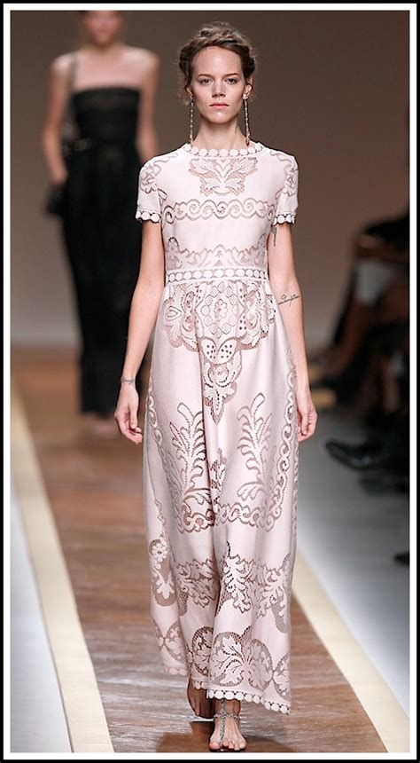 Runway Rundown Aw06 Valentino by Swarchives Get The Look Valentino