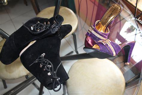 Sepatu Cewek Wedges Unik 001 sepatu produk partner pesanan pada tanggal 13 juli 2014