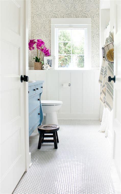 wow worthy bathroom wallpaper ideas  crazy craft lady