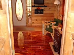Cedar Closet Flooring by Cedar On The Ceiling Cedarsafe Closet Liners