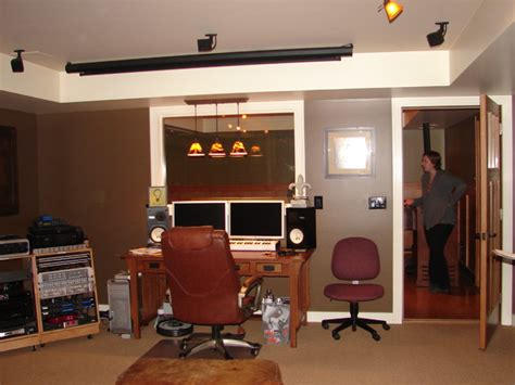 Saratoga Music Studio/Home Theatre   Traditional