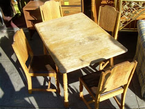 kitchen table in 1940s collectibles sold uhuru furniture collectibles sold 1940s dinette set