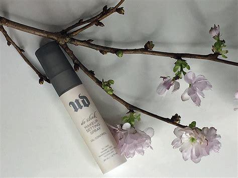 Decay De Slick Makeup Setting Spray decay de slick setting spray miss phiaselle a
