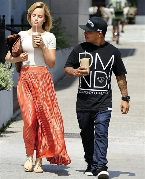 Mena Suvari Is Weeps by Pin By Donia Agat On Cool Stuff To Buy