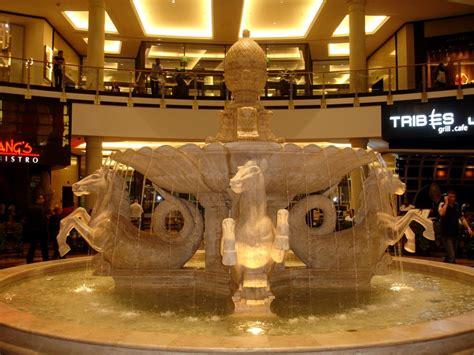 dubai mall mecca  shopaholics
