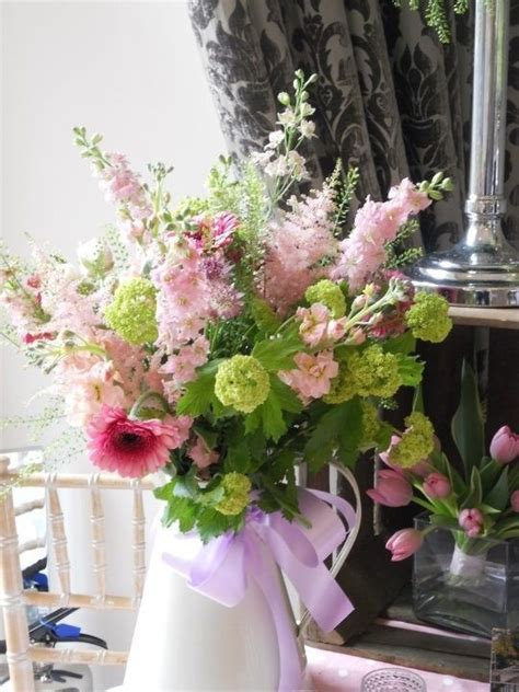wedding flower jugs 406 best images about flowers in jugs on sweet peas floral arrangements and cottages