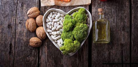 colesterolo alimentazione per abbassarlo colesterolo alto cosa mangiare per abbassarlo diredonna