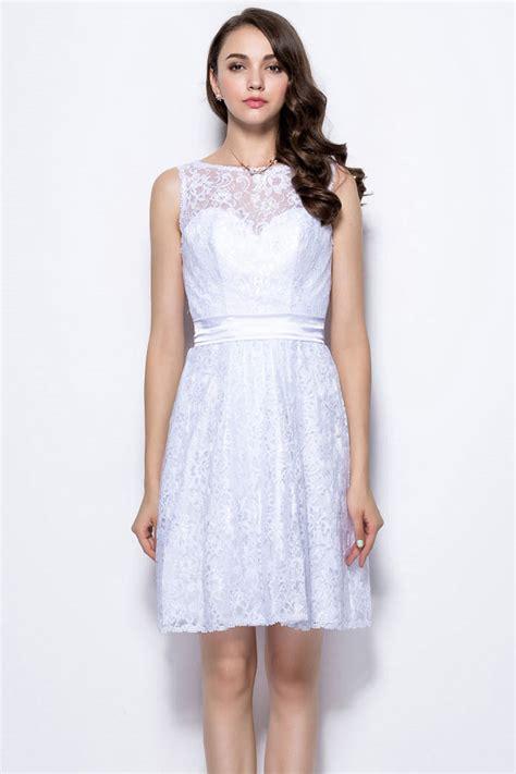 robe blanche en dentelle vintage dos d 233 coup 233 courte au