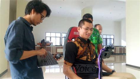 Kursi Roda Elektrik Malang Smart Wheelchair Kursi Roda Pintar Pertama Di Indonesia