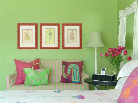 vikingwaterford com page 4 shabby chic teenage girl bedroom with white wooden headboard red rooms viewer hgtv