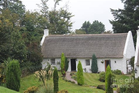 scotland cottage scottish thatched cottage photograph by david grant