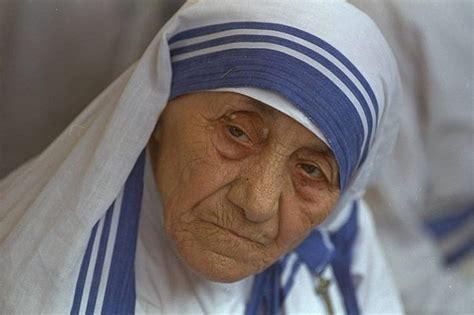 biography about mothers mother teresa biography childhood life achievements