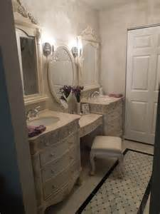 Modern Traditional Bathrooms Traditional Contemporary Bathroom Dressing Room Traditional Bathroom Chicago By