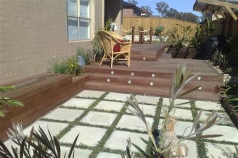 Backyard Tennis Courts Paving Design Ideas Get Inspired By Photos Of Paving