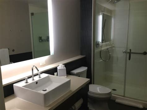 how to clean a hotel bathroom hotel restroom cleaning how to master a tough assignment