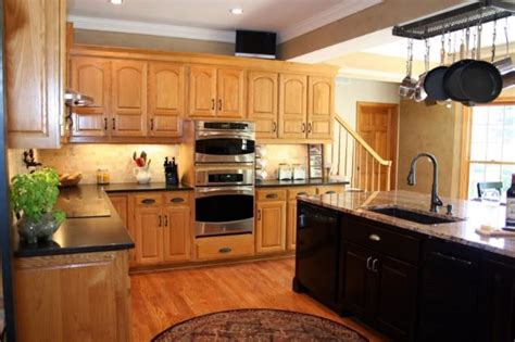 Honey Oak Cabinets What Color Granite by Pin By Jami Sievers On Home Garden